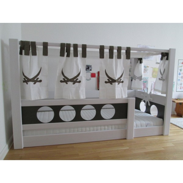 lit enfant bas baldaquin pirate bambins d co. Black Bedroom Furniture Sets. Home Design Ideas